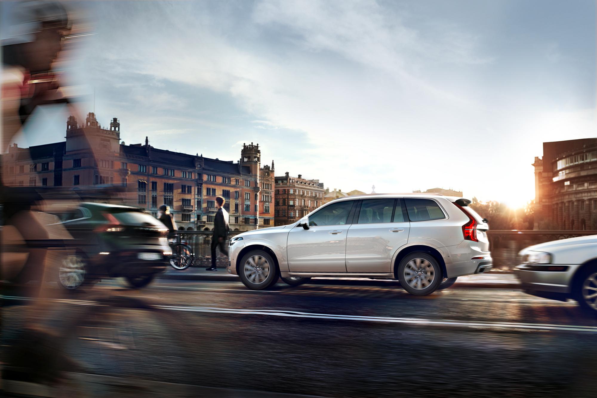 Noul Volvo XC90 - analiză comparativă de prețuri.
