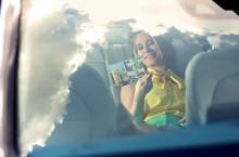 Andreea Esca & Mercedes-Benz Clasa C – Puterea Elegantei
