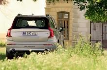 Volvo-XC90-spate2