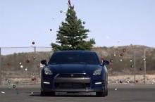 "Video: ""Despodobește Nissan bradul!""; muzica și haosul: Nissan GT-R"