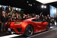 Primul exemplar al noului Acura NSX a fost licitat cu 1,2 milioane de dolari