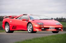 Ultimul Lamborghini produs înainte de modernizarea adusă de Audi este scos la licitație