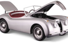 this-drivable-jaguar-xk120-15-scale-replica-is-not-for-kids-does-38-mph_4