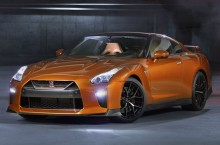 Facelift-ul lui Nissan GT-R detaliat în 4 clipuri video