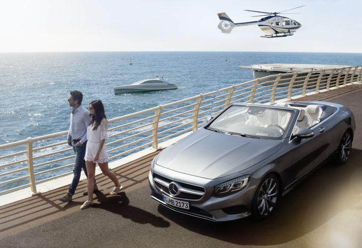 VIDEO: Mercedes-Benz etalează luxul pe șosea, pe apă și în aer