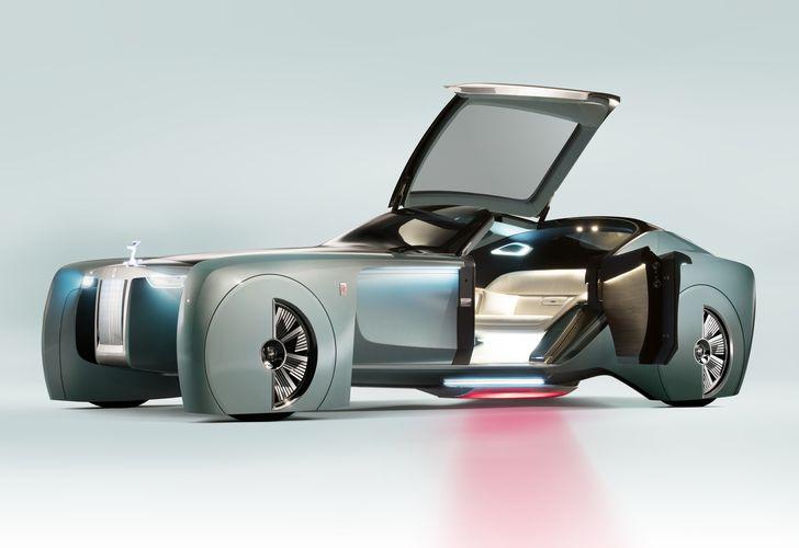 VIDEO: Rolls-Royce VISION NEXT 100 ne conduce către viitorul luxului cu un șofer virtual