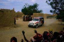 AUTO - OFF ROAD RALLY 1985 - PARIS ALGER DAKAR - N¡189 - P. ZANIROLI (FRA) - DA SILVA (FRA) / MITSUBISHI - ACTION - WINNER - PHOTO: DPPI