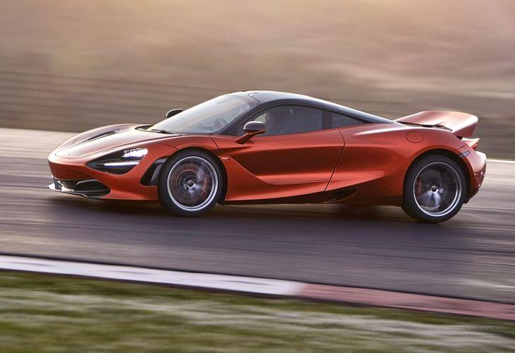 VIDEO: McLaren 720S îi eclipsează pe Ferrari 488 GTB și Lamborghini Huracan