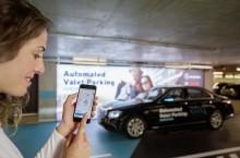 VIDEO: Daimler și Bosch au creat mașini care își caută singure loc de parcare