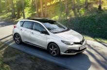 Toyota Auris Hybrid Black Edition, disponibilă în România de la 23.643 euro