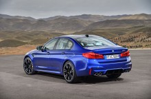 P90273002_highRes_the-new-bmw-m5-08-20