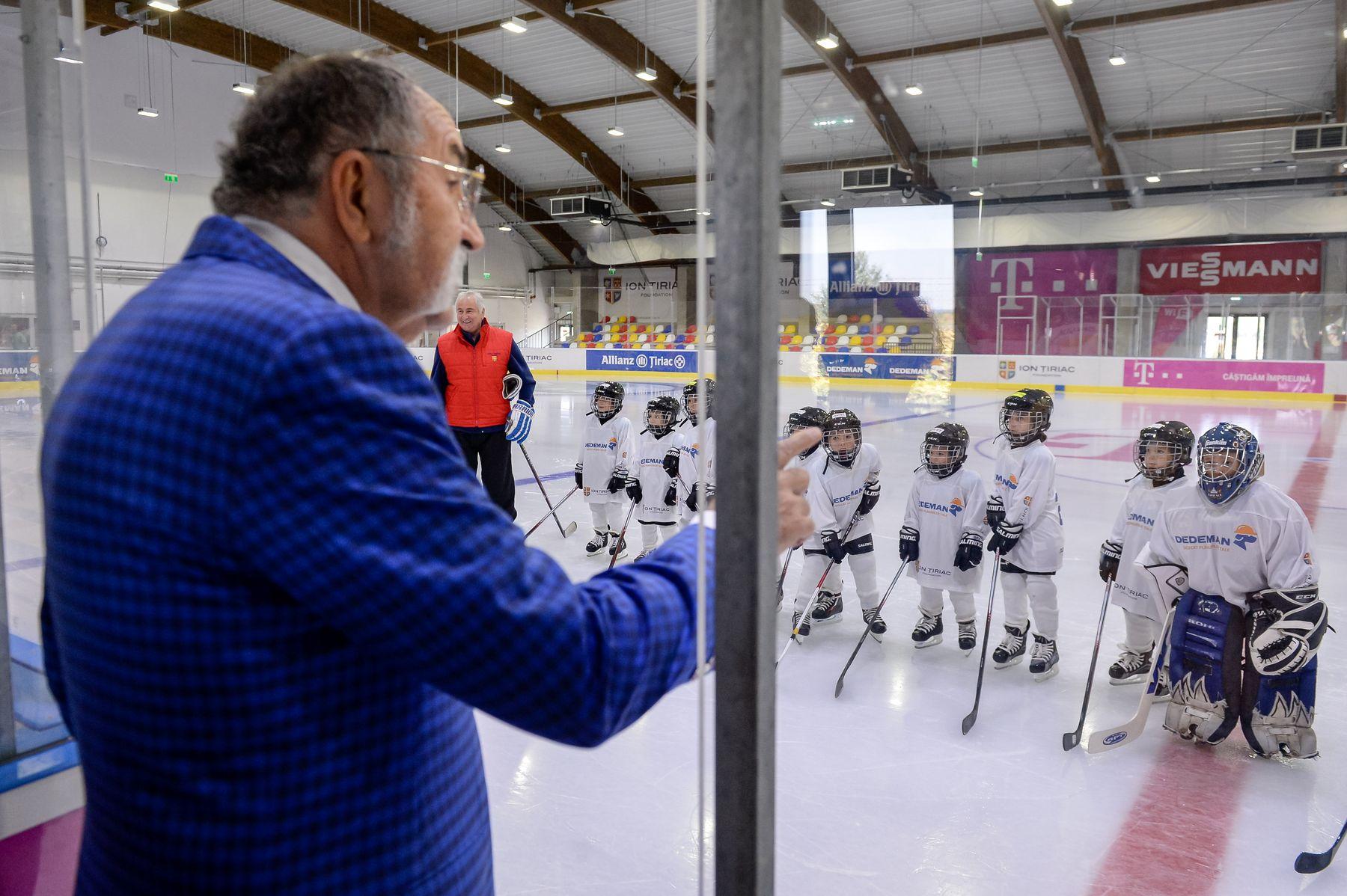Fundația Ion Țiriac și partenerii patinoarului Telekom Arena crează anul acesta 6 echipe de hochei pentru juniori