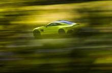 Aston Martin Vantage_Lime Essence_06