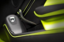 Aston Martin Vantage_Lime Essence_20