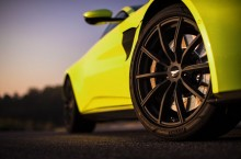 Aston Martin Vantage_Lime Essence_21