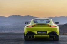 Aston Martin Vantage_Lime Essence_22