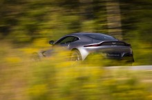 Aston Martin Vantage_Tungsten Silver_04