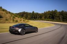 Aston Martin Vantage_Tungsten Silver_07