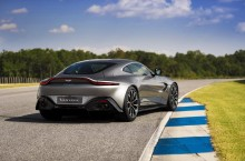 Aston Martin Vantage_Tungsten Silver_10