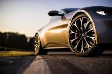 Aston Martin Vantage_Tungsten Silver_19