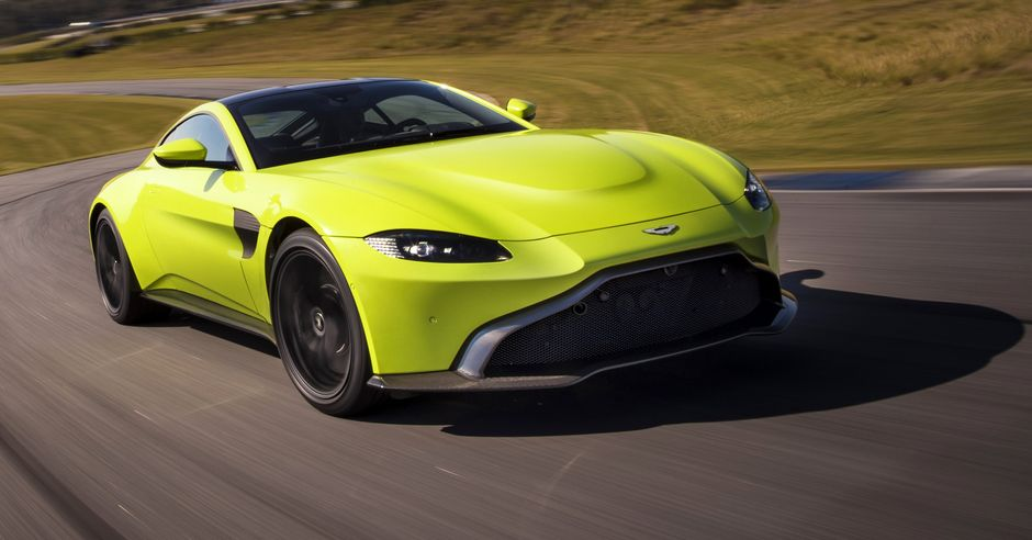FACEBOOK Aston Martin Vantage_Lime Essence_02