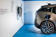 P90288530_highRes_bmw-i-charging-stati