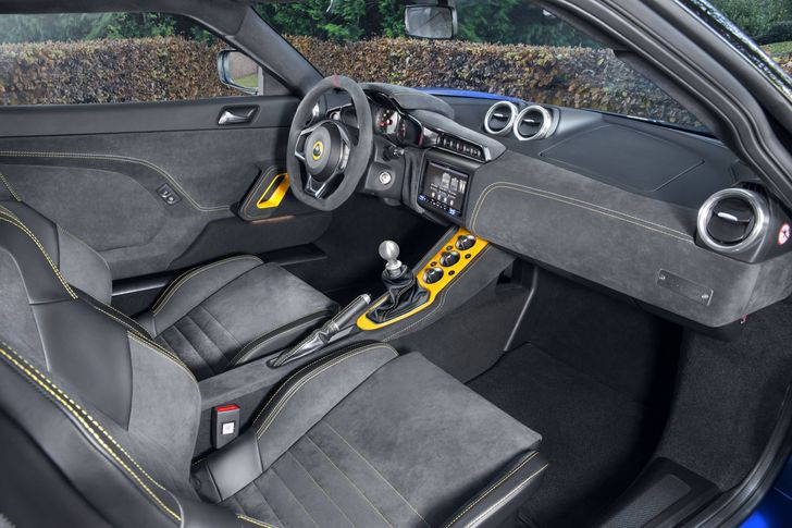 EVORA GT410_WHITE YELLOW_yellow stitch seat_DSC_7090-2-GT-Manual-min