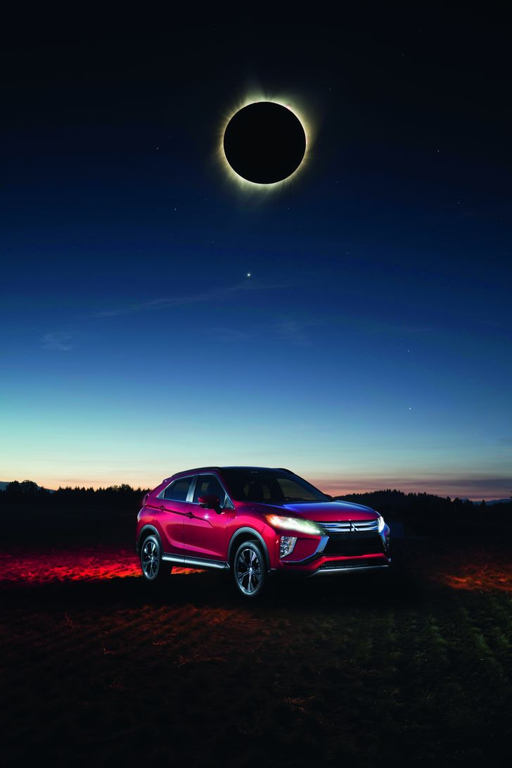 MMNA_EclipseCross_Red_Ext_Front34_Composite3