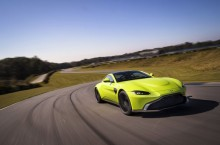 Aston Martin Vantage_Lime Essence_02