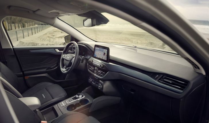 FORD 2018 FOCUS ACTIVE