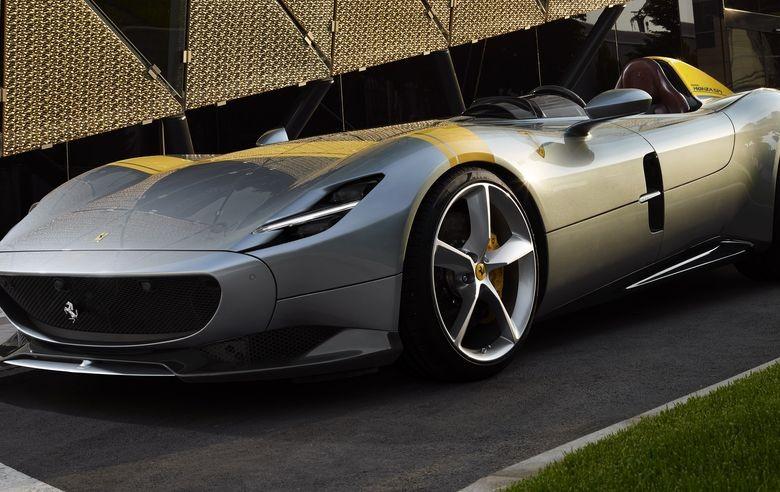 VIDEO: Ferrari Monza SP1 și SP2: Ecouri atemporale