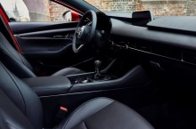 13_All-New-Mazda3_5HB_INT