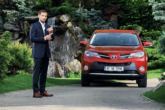 Dani Otil: Toyota RAV4 e bună la toate