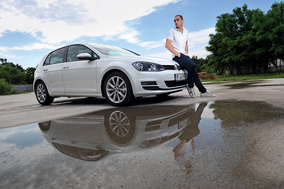 Vladimir Draghia testeaza noul VW Golf VII pentru revista Gentleman's Car.